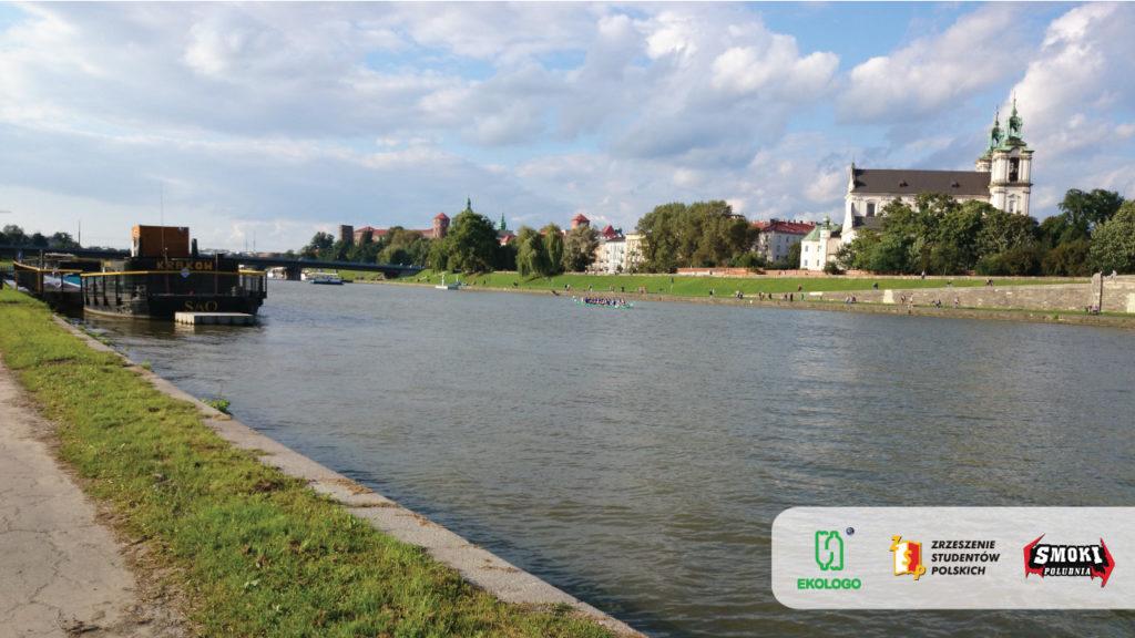 pierwsza ekipa płynie pod Wawel