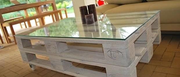 Stolik z palet szklany blat